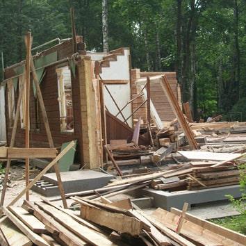 Демонтаж загородного дома