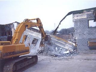 Демонтаж старых конструкций