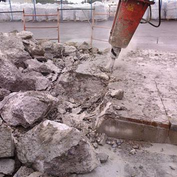 Демонтаж дома с фундаментом