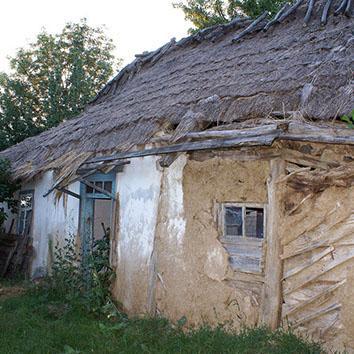 Демонтаж саманного дома